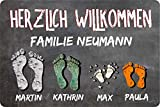 Fußmatte Füße auf Tafel (Anzahl Füße wählbar) Wunschnamen Vornamen Vintage Schmutzmatte Fußabstreifer