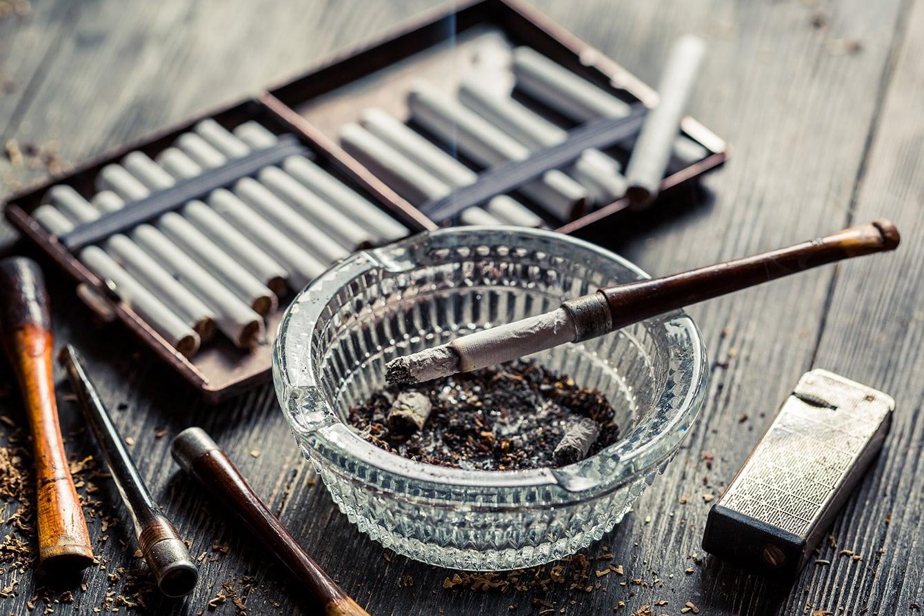 Vintage Utensilien für Raucher - die nostalgische Welt des Tabaks