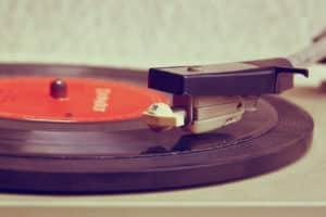 Vintage Plattenspieler für das nostalgische Musikvergnügen